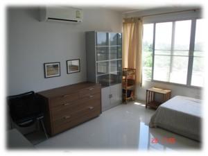 Third_room_window2